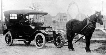 horse-vs-car